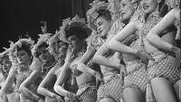 Vintage photos: Showgirls and dancers of yesteryear - Photo