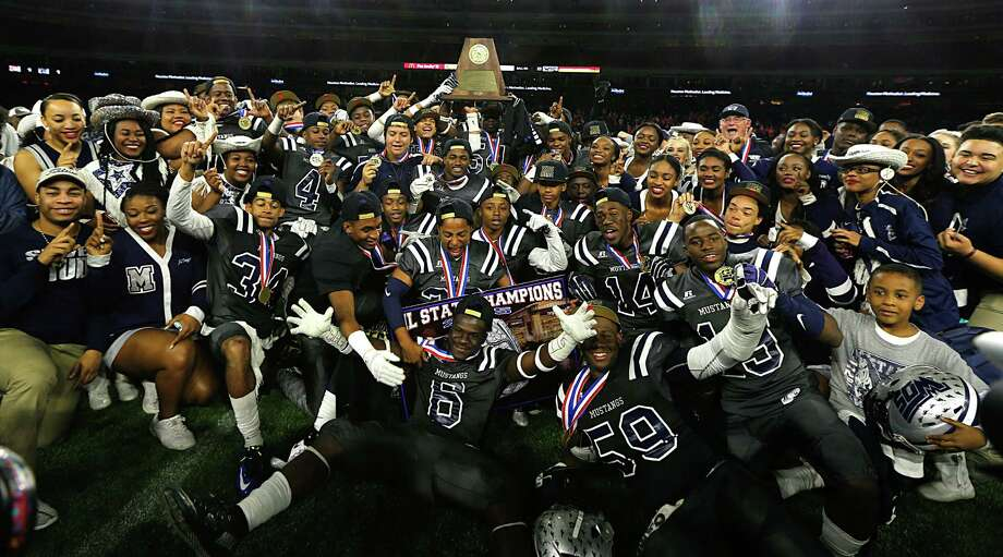 TRACKING SOUTHEAST TEXAS' HIGH SCHOOL FOOTBALL PLAYOFF TEAMSKeep clicking to see the teams who competing for a shot at the state championship title. Photo: James Nielsen, Staff / © 2015  Houston Chronicle