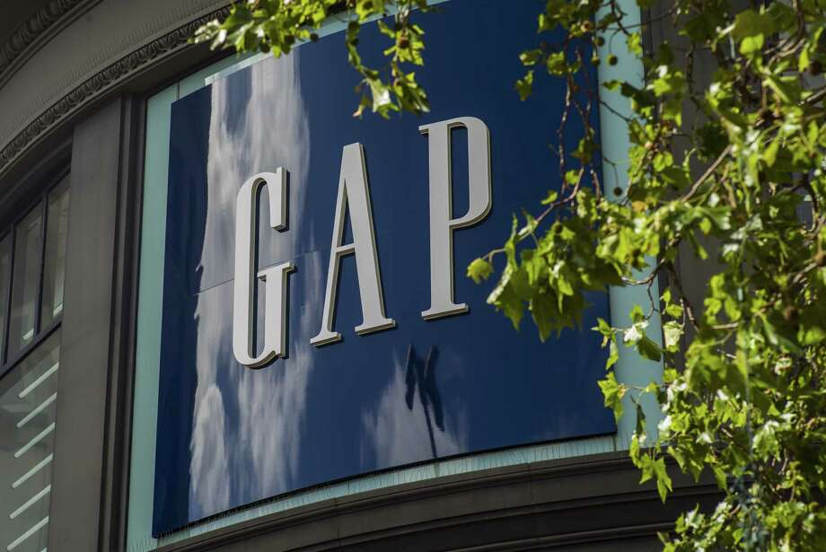 Gap Inc. posted second-quarter earnings that narrowly topped analysts' estimates, giving hope that the largest apparel-focused U.S. retailer can mount a comeback. Photo: David Paul Morris /Bloomberg / © 2016 Bloomberg Finance LP