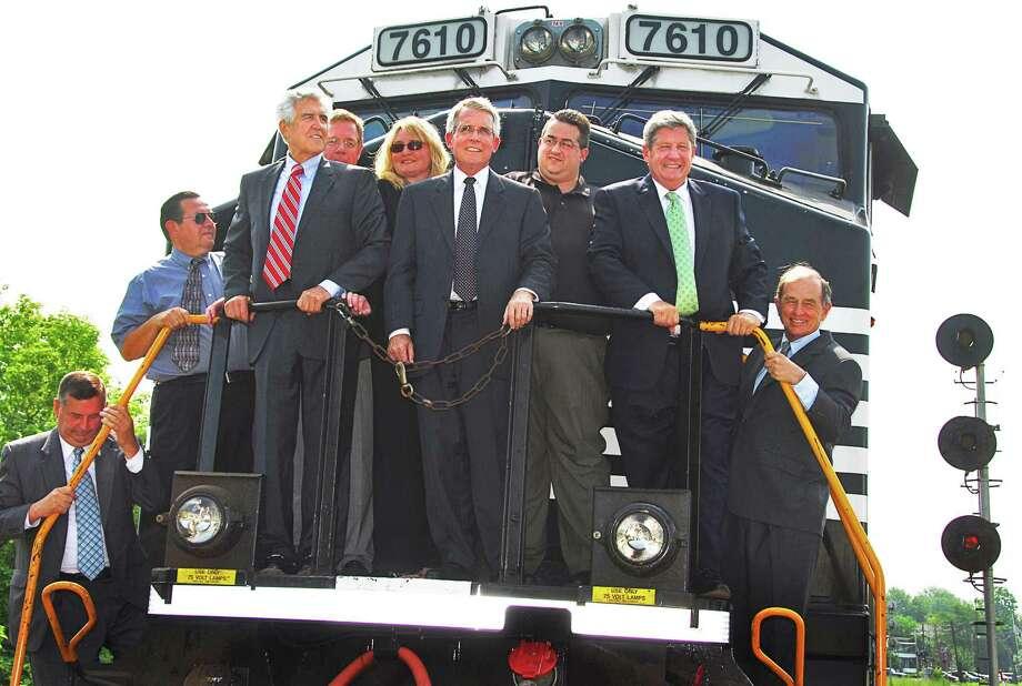 Wick Moorman succeeds Joe Boardman as Amtrak president