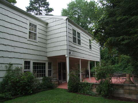 On the Market: This Fairfield house is hard to judge from