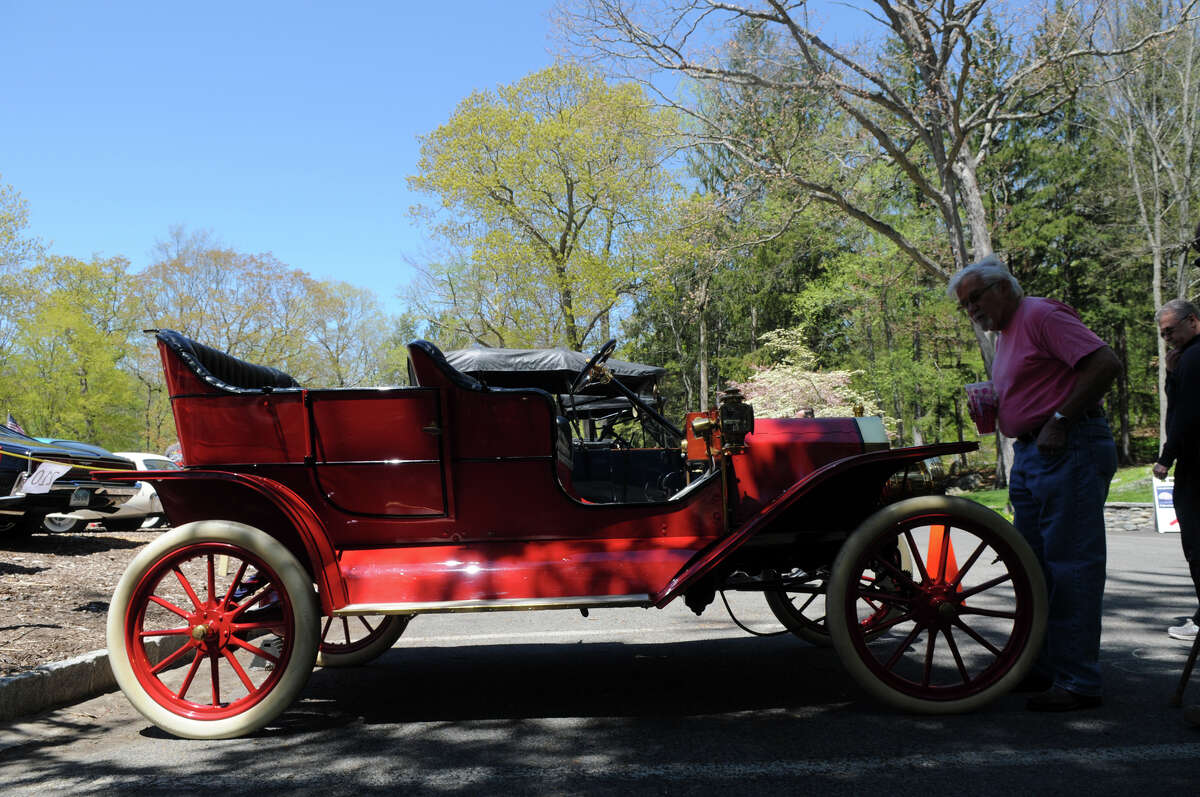 A 1909 Model T Ford.
