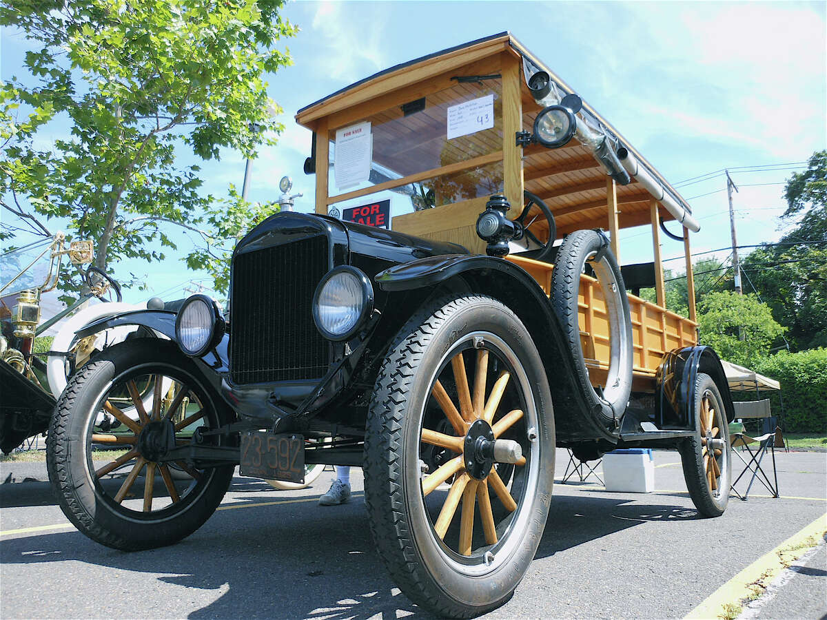 1925 Ford Model T truck.