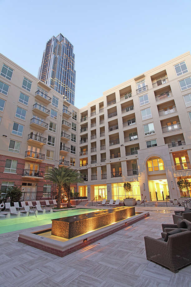 Hines has put its WaterWall Place apartments next to the Galleria up for sale. HFF will market the 322-unit property, where rents average $2,392. The average size unit is 982 square feet. Photo: HFF, LHE / Scott WOmack +1 214 287 7268