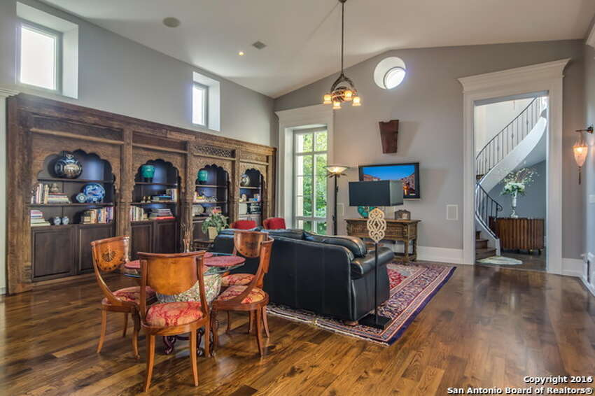 1.325 Elizabeth Road:$2,077,0004 beds / 4.5 baths / 5,136 square feetFeatures:Roy Braswell designed, gallery entry, fireplace in living areas, chef's kitchen with granite and marble counter tops, Miele ovens