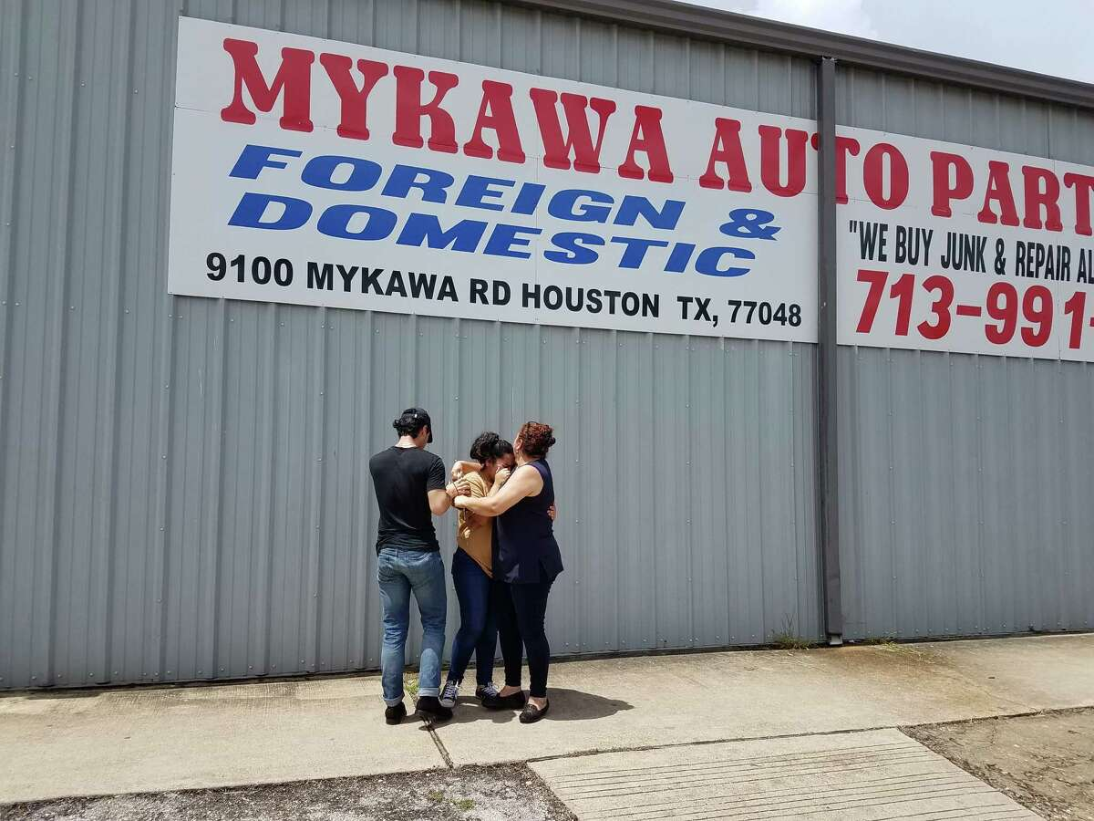 """Family friends who gathered Friday outside Mykawa Auto Parts to mourn the death of owner Enayatolah Khorsand said the 58-year-old man was known as a """"mediator."""""""