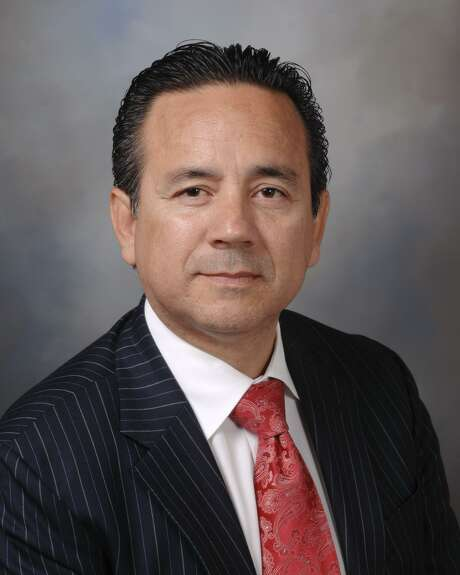 Carlos Uresti: Raising the smoking age to 21 in Texas will make for healthier young people. Photo: Courtesy /Courtesy Photo
