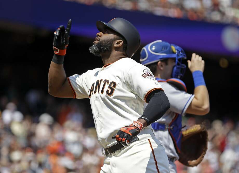 San Francisco Giants' Denard Span, left, celebrates after hitting a home run against the New York Mets in the third inning of a baseball game, Saturday, Aug. 20, 2016, in San Francisco. (AP Photo/Ben Margot) Photo: Ben Margot, Associated Press