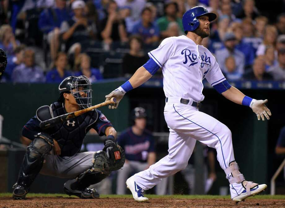 KANSAS CITY, MO - AUGUST 20:  Alex Gordon #4 of the Kansas City Royals hits a ground-rule double in the seventh inning against the Minnesota Twins at Kauffman Stadium on August 20, 2016 in Kansas City, Missouri. (Photo by Ed Zurga/Getty Images) ORG XMIT: 607683843 Photo: Ed Zurga / 2016 Getty Images