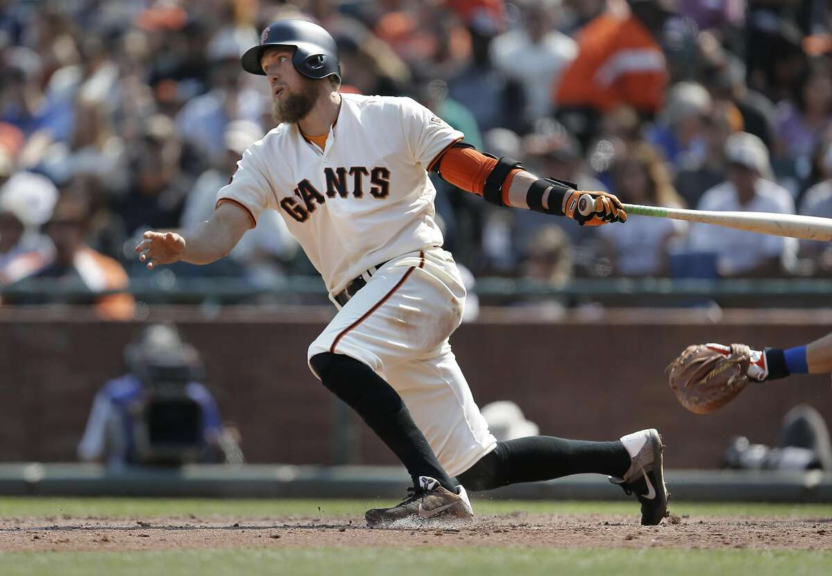 Giants' Hunter Pence with a base hit single in the 7th inning as the San Francisco Giants take on the New York Mets at AT&T Park in San Francisco , California, on Sat. Aug. 20, 2016.