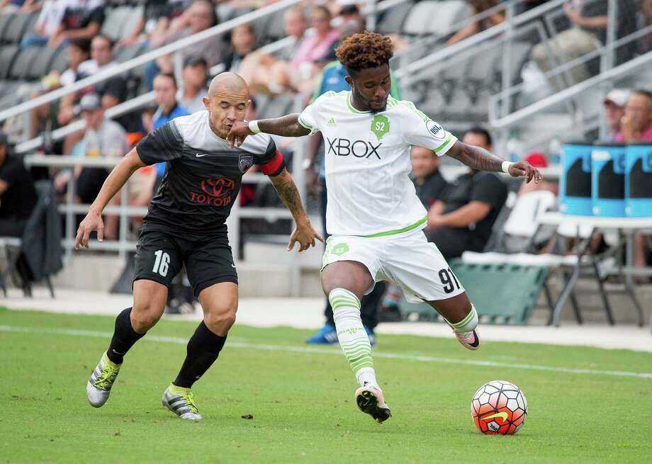 Rafael Casillo fights for the ball during the first half of a USL soccer match between the Seattle Sounders FC 2 and San Antonio FC, Saturday, Aug. 20, 2016, at Toyota Field in San Antonio, Texas. (Darren Abate/USL) Photo: Darren Abate, STF / Darren Abate/USL / Darren Abate Media, LLC