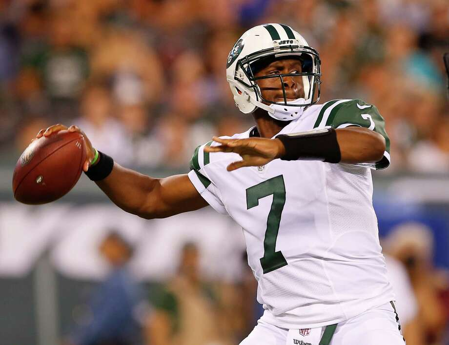 EAST RUTHERFORD, NJ - AUGUST 11: Quarterback Geno Smith of the New York Jets attempts a pass during the second quarter of an NFL preseason game against the Jacksonville Jaguars at MetLife Stadium on August 11, 2016 in East Rutherford, New Jersey. (Photo by Rich Schultz/Getty Images) ORG XMIT: 657838141 Photo: Rich Schultz / 2016 Getty Images