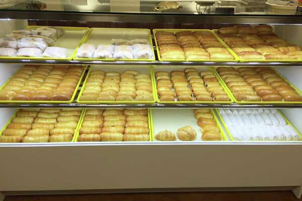 Sunny's Donuts in Nederland opened in March 2016.