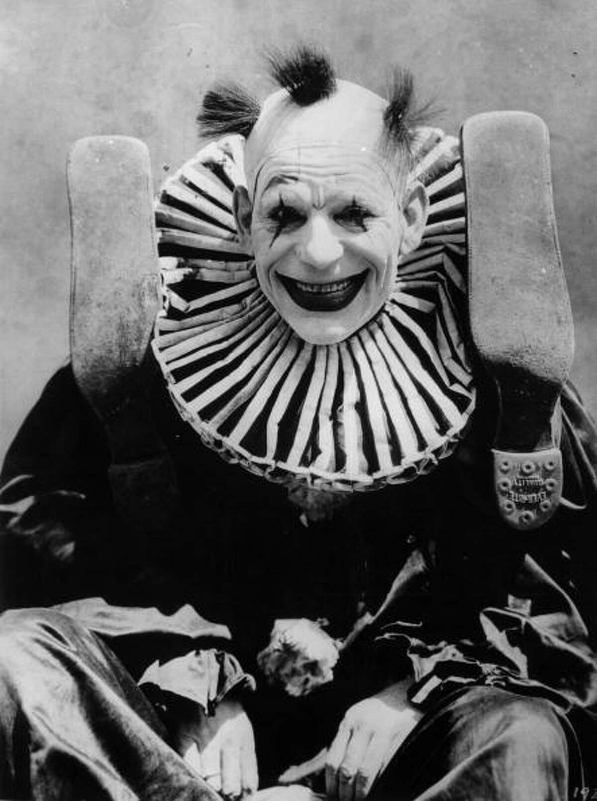 Accidentally Creepy Clowns 1924: American actor Lon Chaney (1883 - 1930) dressed as a clown for his role in the film 'He Who Gets Slapped', directed by Victor Sjostrom for MGM. (Photo by Hulton Archive/Getty Images)