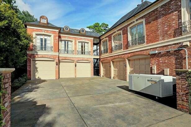 1821 River Oaks Blvd.  : $10,750,000