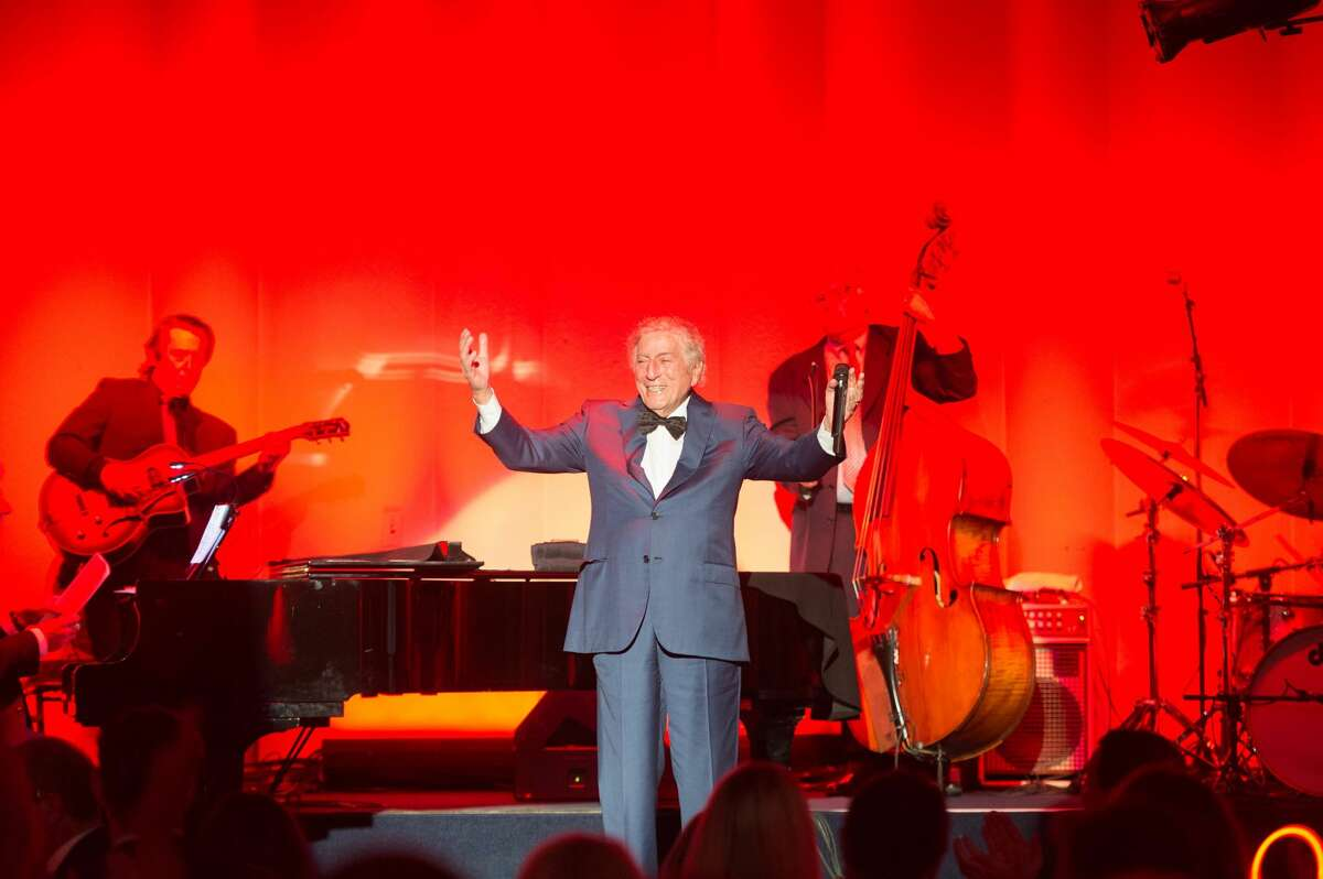 Saturday, August 20 Mr. Bennett returned to Fairmont San Francisco's famed Venetian Room stage, where he first performed I Left My Heart in San Francisco in public in 1961, for a benefit dinner and concert.