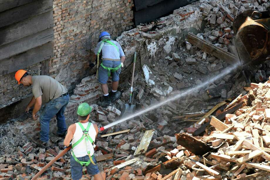 Work continues to preserve the structure at 48 Hudson Ave., Albany's oldest building, on Monday, Aug. 22, 2016, in Albany, N.Y. Fifty Hudson was demolished last week after a structural crack was spotted on the building. (Will Waldron/Times Union) Photo: Will Waldron