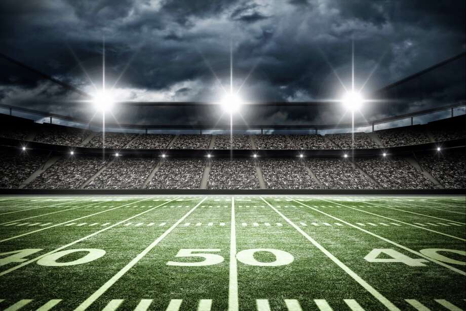 A Florida county indefinitely suspended high school football summer conditioning workouts Wednesday after a 14 year-old collapsed and died during a training session this week. Photo: Shutterstock
