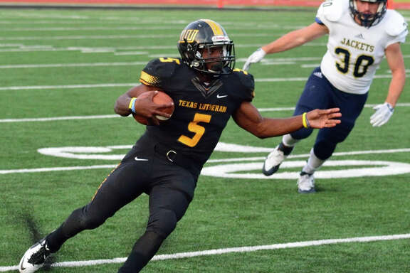 Marquis Barrolle is an experienced running back returning for the TLU Bulldogs in 2016.