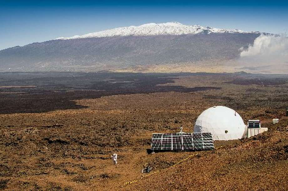 A year-long simulated mission to mars on top of an active volcano will end Aug. 28, 2016. Photo: (Neil Scheibelhut/Universi­ty Of Hawaii At Manoa Via AP)