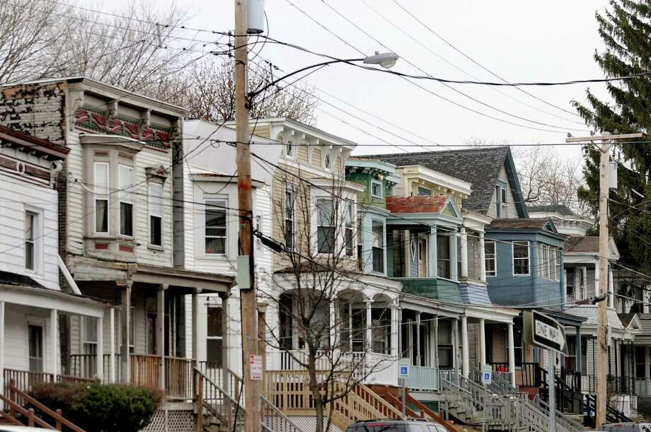 """Houses on Hudson Avenue in the heart of the Albany neighborhood known derisively as the """"student ghetto."""" (Times Union archive photo) ORG XMIT: MER2014111914435033 Photo: Cindy Schultz / 00012489A"""