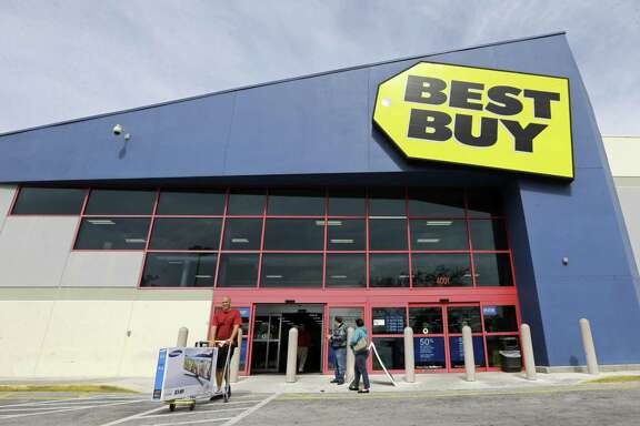 Best Buy Co. reported net income of $198 million, or 61 cents per share, in the three months that ended July 30, compared with $164 million, or 46 cents per share, in the same period a year before.