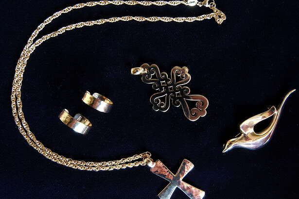 Sample products from the retail store at James Avery's. TOM REEL/STAFF MAY 17, 2005.