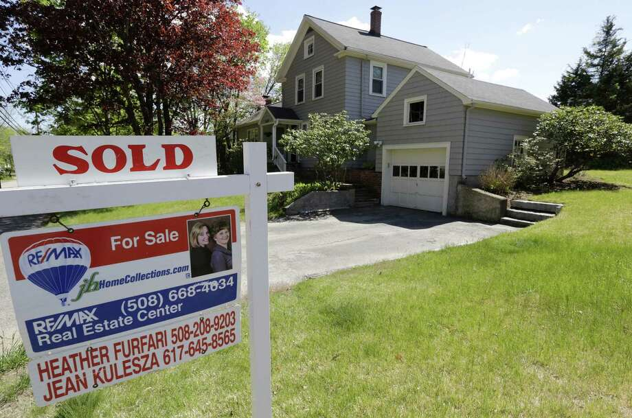 Sales of existing homes climbed 4.4 percent last month to a seasonally adjusted annual rate of 5.71 million, the National Association of Realtors said Friday. This was the fastest sales rate since February 2007. Photo: Associated Press File Photo / Copyright 2016 The Associated Press. All rights reserved. This material may not be published, broadcast, rewritten or redistribu
