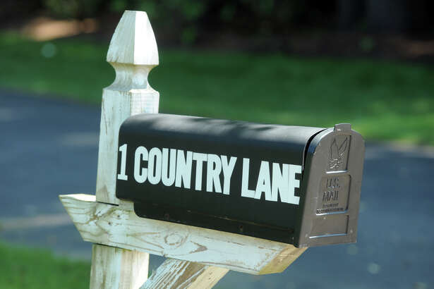 1 Country Lane in Westport, Conn. Aug. 24, 2016. A man was killed in a construction accident at this address Tuesday afternoon.