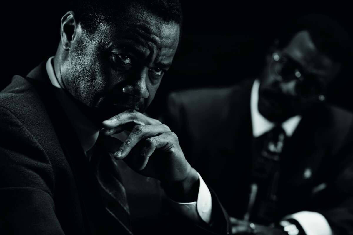 The People v. O.J. Simpson: American Crime Story : Ryan Murphy's new anthology series tackled the trial of the century by recreating it with famous actors, including Cuba Gooding Jr., John Travolta and Sarah Paulson. Highly risky and potentially controversial, it was not a formula that was guaranteed to work. But somehow Murphy and company pulled off 10 hours of compelling television about a chapter of American history most of us lived through and thought we knew. (FX)