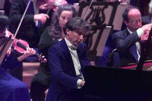 SYMPHONY/C/09SEP98/DD/MAC      Michael Tilson Thomas performs during the SF Symphony gala opening at Davies Symphony Hall in San Francisco.  SF SYMPHONY   SOCIETY OPENING   PHOTO   By Michael Macor/ The Chronicle
