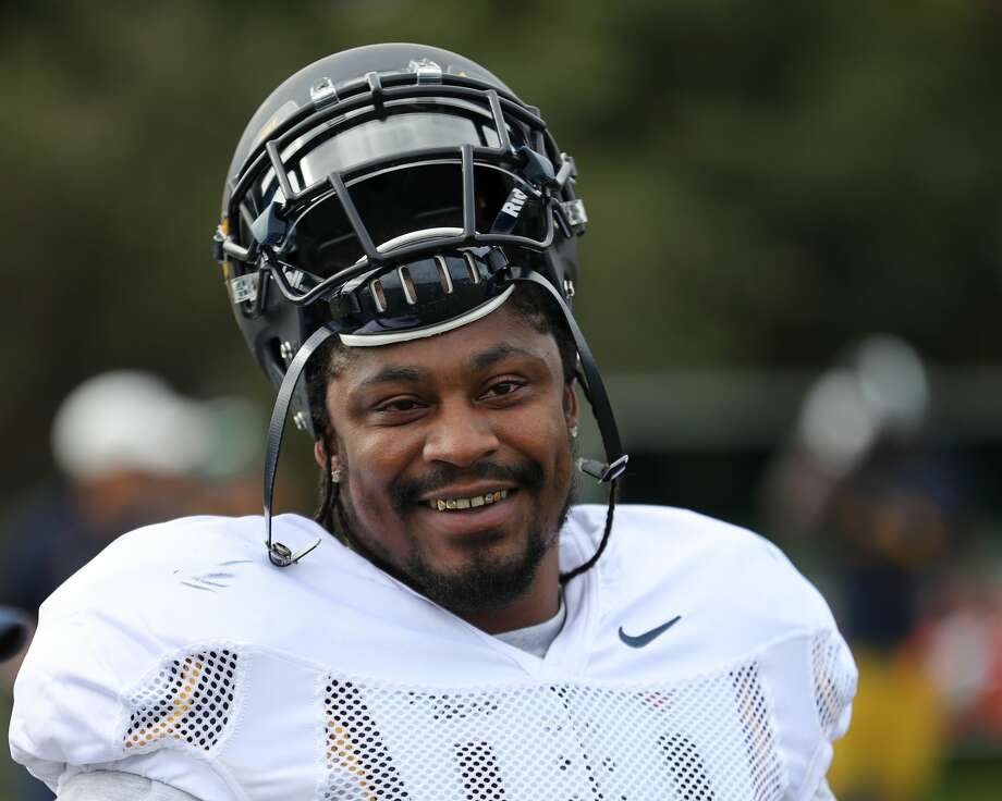 The Oakland Raiders are considering a run at acquiring former Seahawks running back Marshawn Lynch, according to reports. Photo: Al Sermeno/ISISports.com