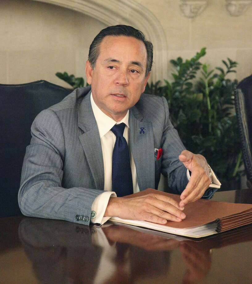 "State Sen. Carlos Uresti has said he was contacted by the FBI ""as a witness"" in an investigation of bankrupt frac-sand company FourWinds and its one-time CEO Stan Bates. Photo: Juanito M. Garza /San Antonio Express-News / San Antonio Express-News"