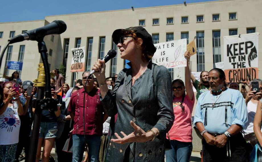 Actress Susan Sarandon speaks at a rally outside US District Court in Washington, Wednesday, Aug. 24, 2016, in solidarity with the Standing Rock Sioux Tribe in their lawsuit against the Army Corps of Engineers to protect their water and land from the Dakota Access Pipeline. Photo: Manuel Balce Ceneta, STF / Associated Press WashDC