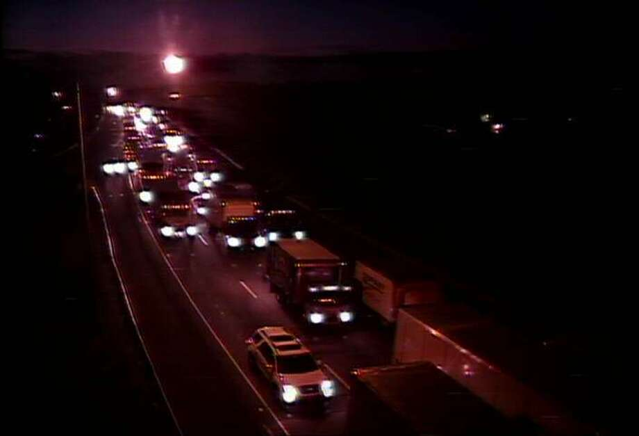 Southbound traffic is backed up on I-91 south in New Haven following a fatal crash involving a tractor-trailer truck and several vehicles on Thursday, Aug. 25, 2016. Photo: Connecticut DOT