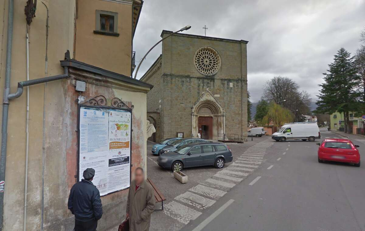Google Street View show a church in Amatrice before the earthquake.