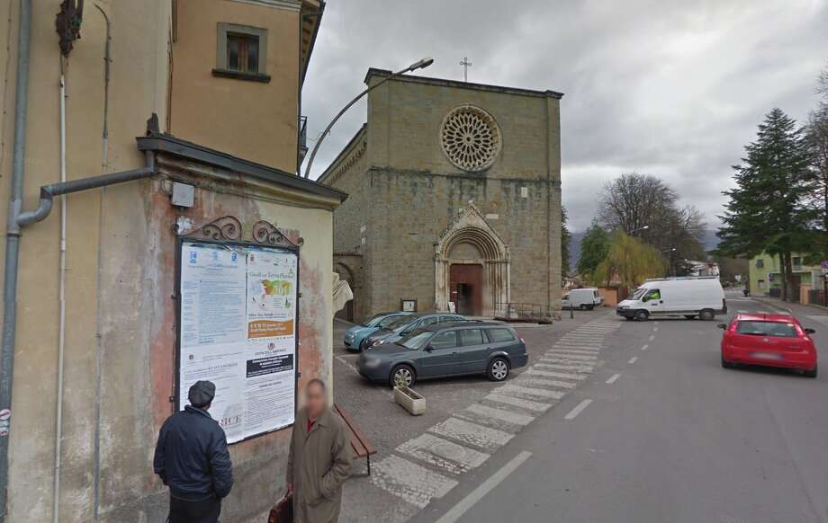 Google Street View show a church in Amatrice before the earthquake. Photo: Google Street View