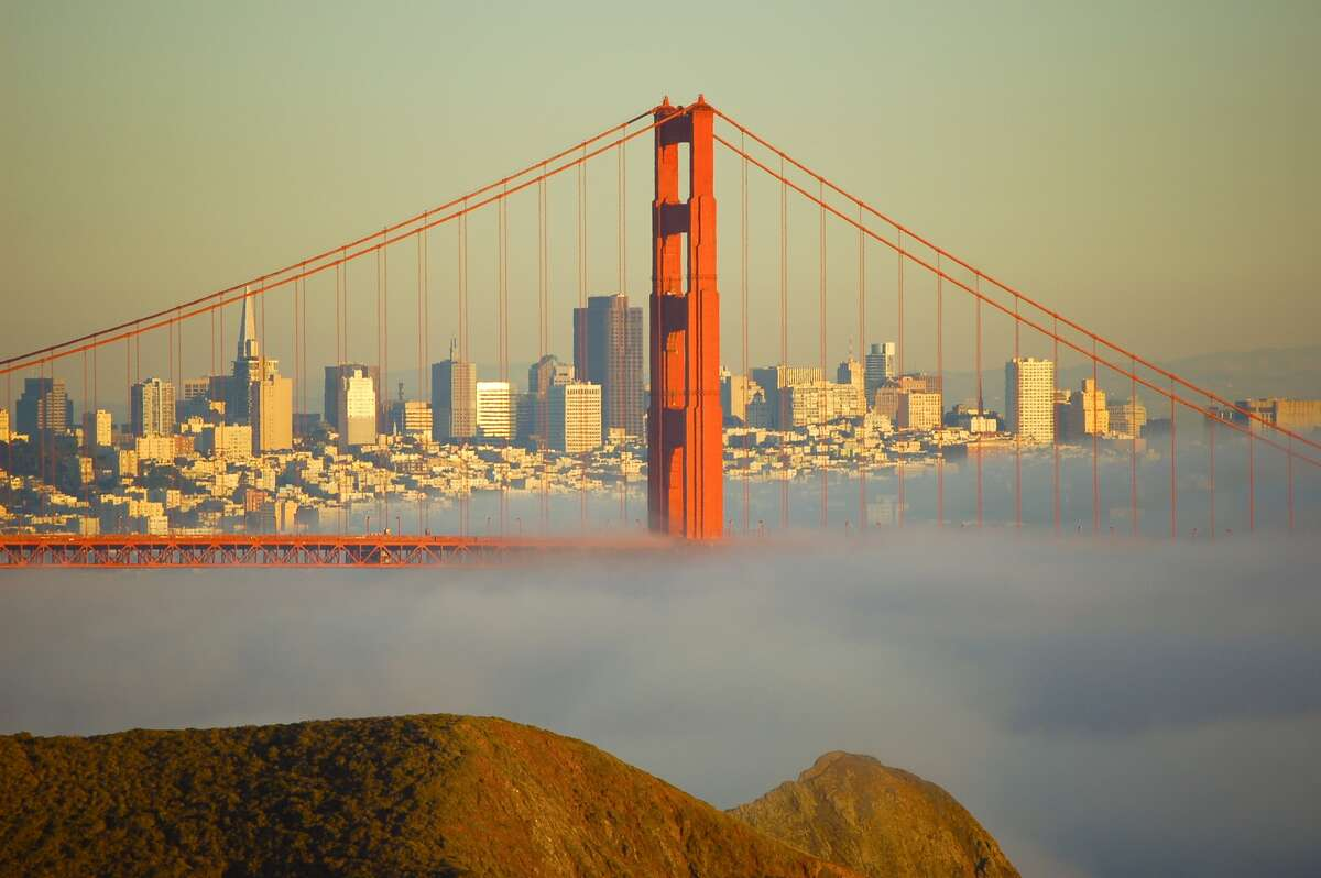 Take photos of the Bay and city skyline from the Golden Gate Bridge before dusk. The low angle of the sun through the bridge accentuates the deep blues of the bay and casts shadows that make the scenery more beautiful than any other time of year.