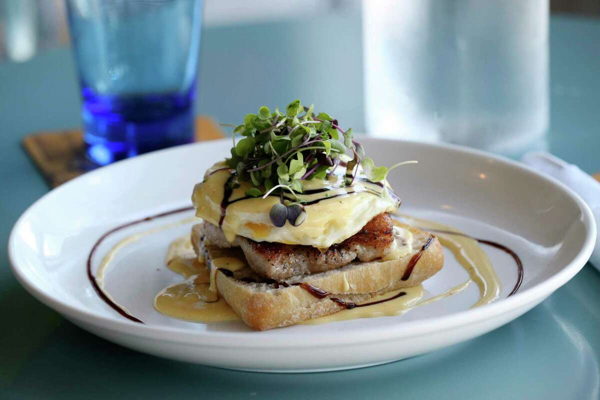 Hop & Vine, the Alamo Ranch restaurant know for eggs Benedict and a good craft beer selection, is closing Sunday.