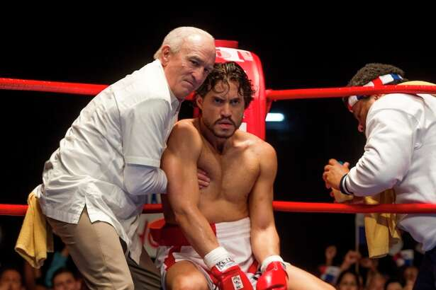 """This image released by The Weinstein Company shows Robert De Niro, left, and Edgar Ramirez in a scene from, """"Hands of Stone."""" (Rico Torres/The Weinstein Company via AP) ORG XMIT: NYET801"""