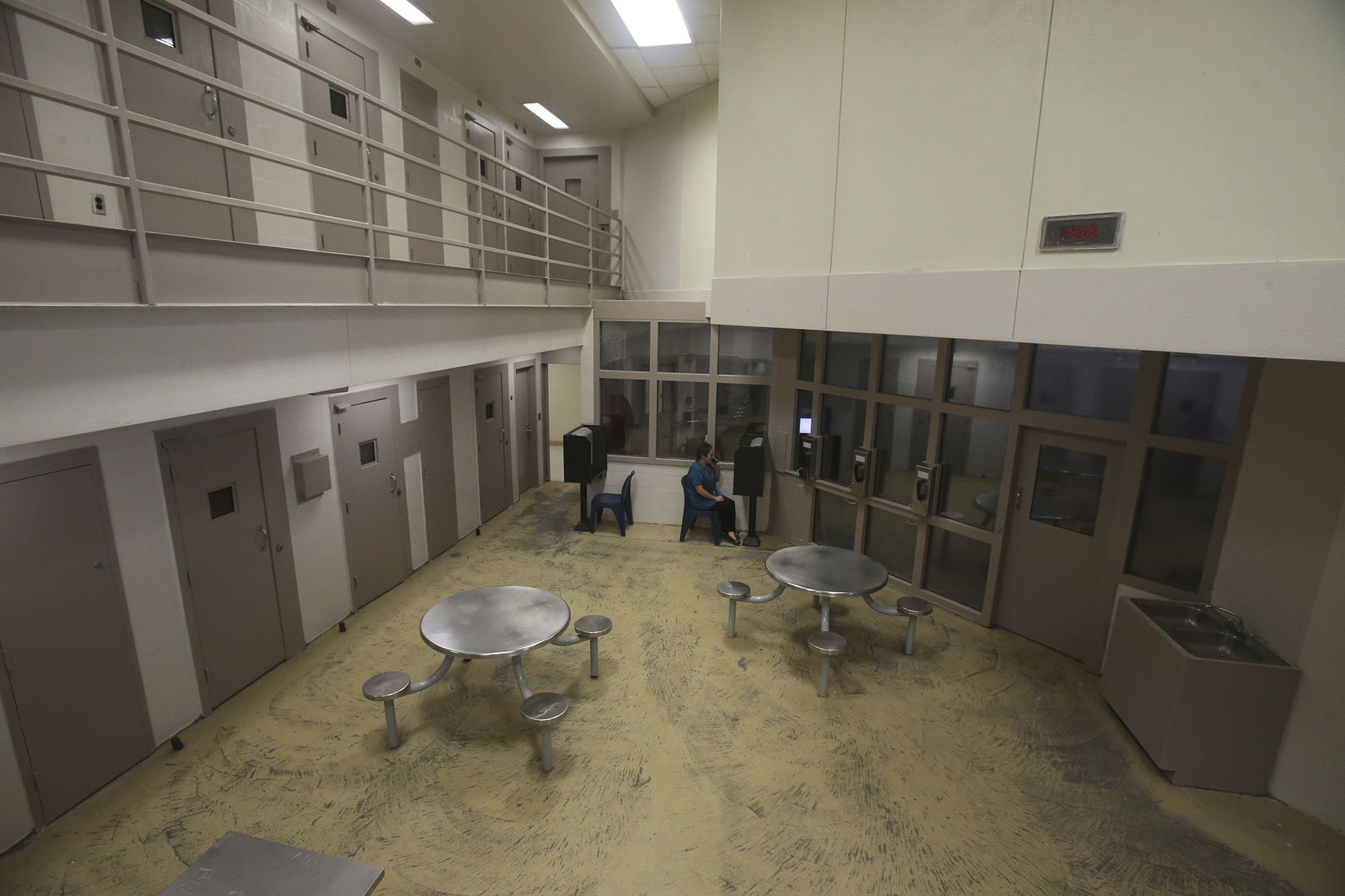 41 Year Old Bexar County Jail Inmate Dies After Guard