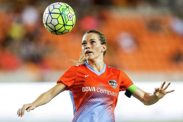 The Dash's Kealia Ohai has seen more success after being moved from forward to the left side of the midfield during the Olympics. (7) looks to control a pass as the Houston Dash take on the Western New York Flash Saturday, July 30, 2016 in Houston. ( Michael Ciaglo / Houston Chronicle )
