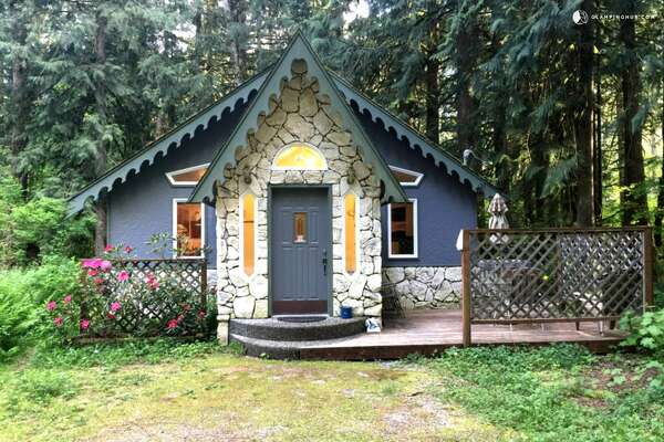 1. The ski chalet     Price per night:  $180 and up    Location:  Glacier, Wash.   This one-story cabin can sleep up to two guests. It come with a fully-equipped kitchen and is perfect for those who want to enjoy all the Mt. Baker Ski Area has to offer.    You can see the full listing here.