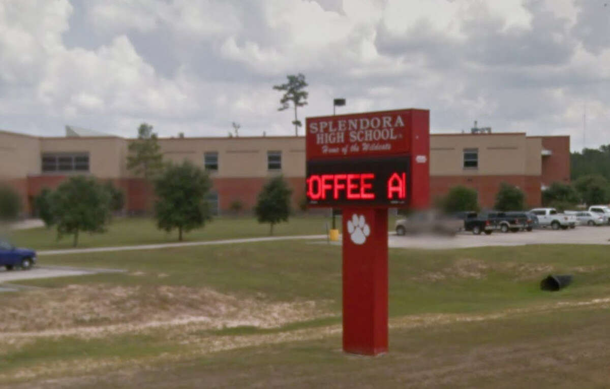 #10: Splendora Independent School District Enrollment: 3570 No. of schools: 5 2011 rank: 47 2012 rank: 47 2015 rank: 42 Improved by 5 from 2011-2015 Median Home Price: $185,052
