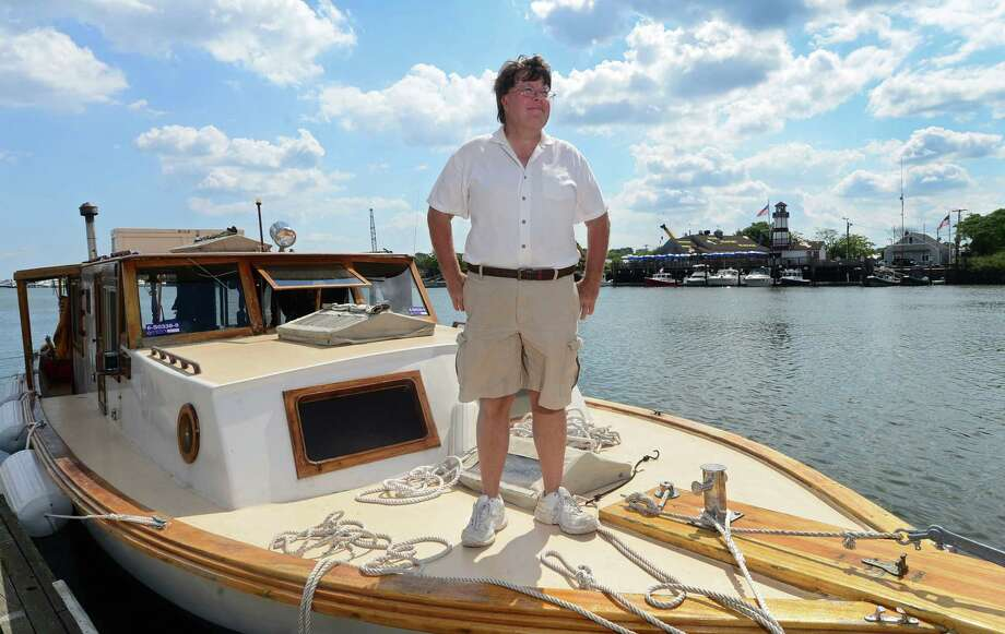 Darien man takes 1,100-mile boat trip to Lake Erie - The Hour
