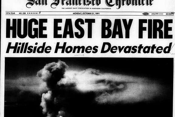 Historic Chronicle Front Page October  21, 1991 Massive Oakland Berkeley hills fire
