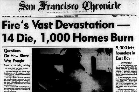 Historic Chronicle Front Page October  22, 1991 Massive Oakland Berkeley hills fire
