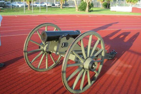 A replica Howitzer cannon, dubbed El Capitan, serves as the trophy awarded to the team winning the season series between the Dynamo and FC Dallas.