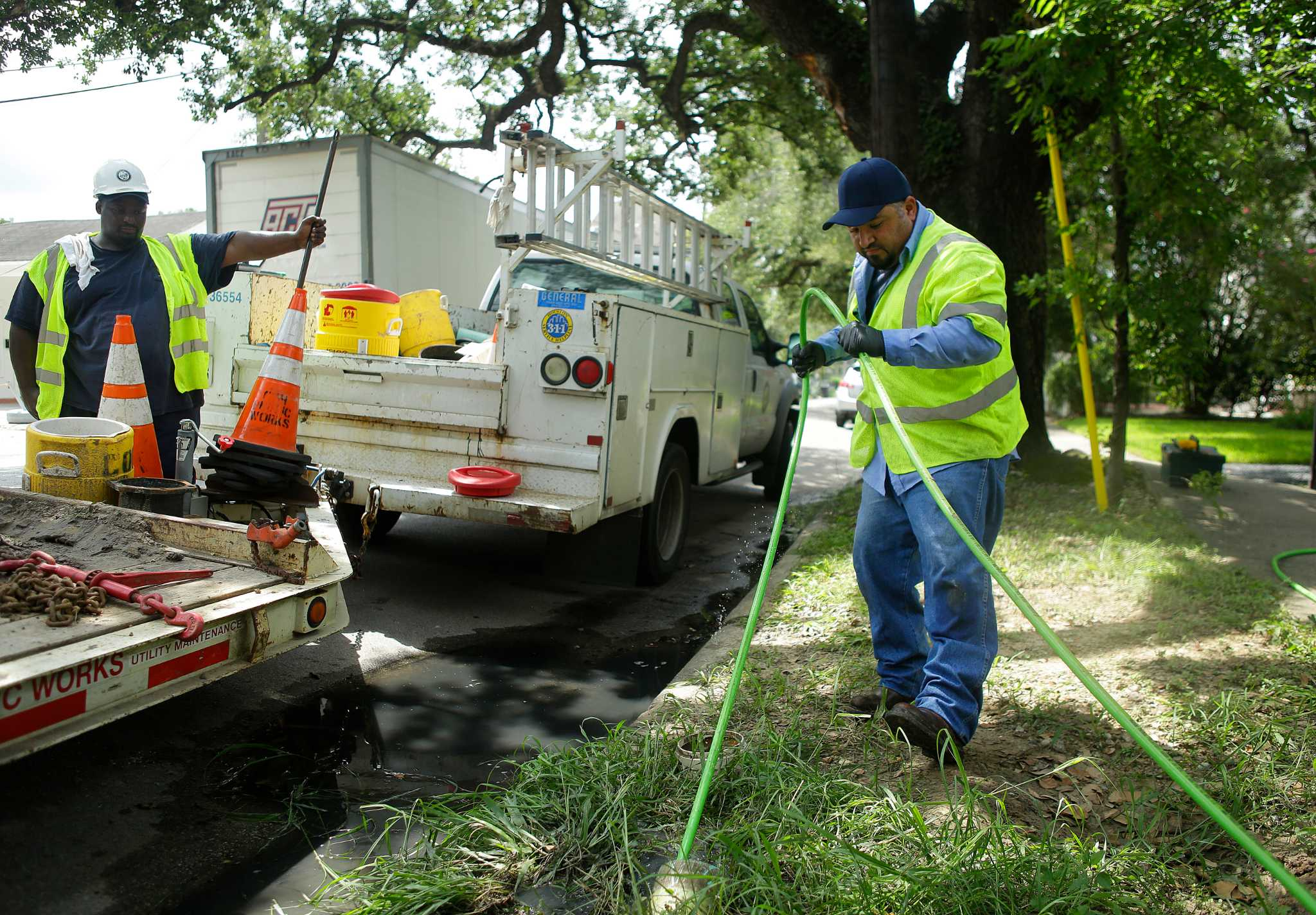 Sewer spills put city under epa scrutiny houston chronicle for Raw sewage under house