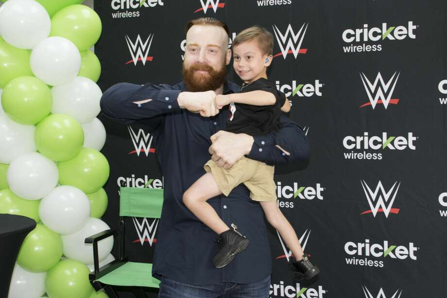 "World Wrestling Entertainment star Sheamus meets with fans on San Antonio's South Side before ""WWE Live"" Sunday night airing from San Antonio. Photo: By Cory Heikkila"